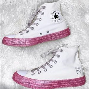 Womens Size 7.5 Miley Cyrus Converse Sneakers